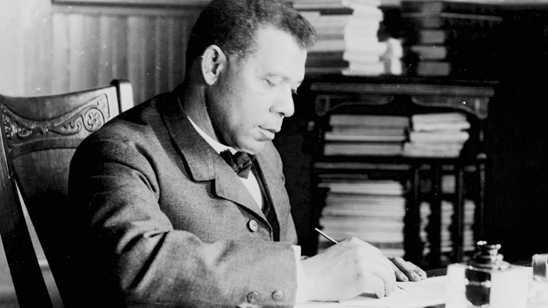 1000509261001_2105757485001_Booker-T-Washington-Tuskegee-Institute